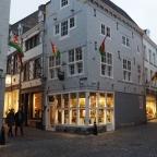 Berburu sepatu di Maastricht